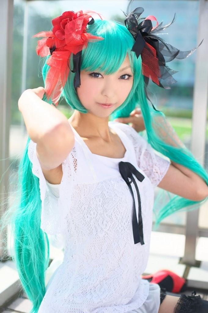 necoco-skinny-hatsune-miku-cosplay-gallery-029